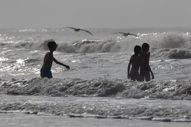Storm_Surf